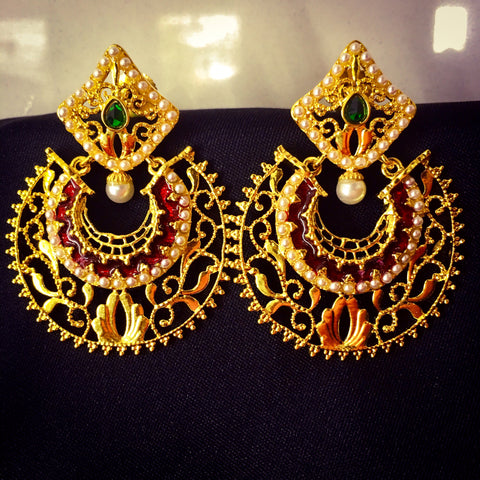 CHANDRAKOR EARRING IN MAROON COLOUR