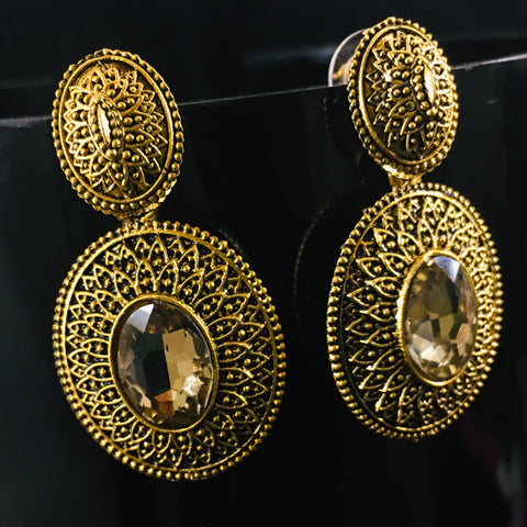 OVAL SHAPE EARRINGS