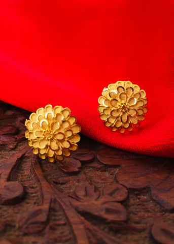 ADORABLE FLORAL DESIGNE GOLDEN STUDS
