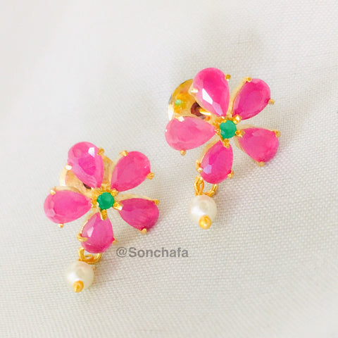 MULTI COLOUR DIA FLORAL STUDS