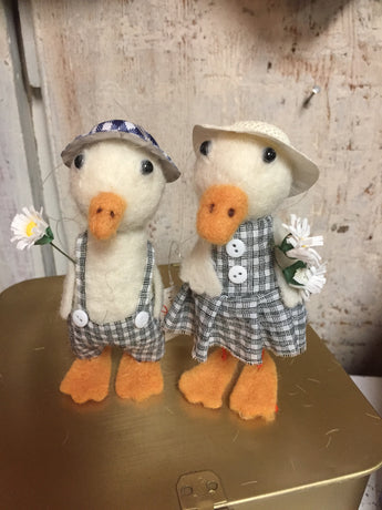 Spring Felt Duck Couple