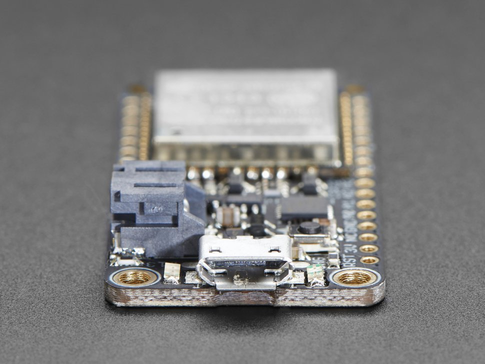 Adafruit HUZZAH32 – ESP32 Feather Board – pi3g