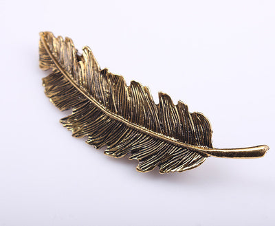 Chic Feather Pin