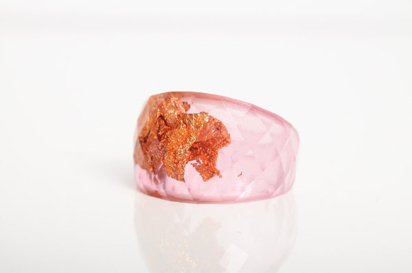 size 5.5 | faceted eco resin cocktail ring | pink resin featuring copper leaf flakes