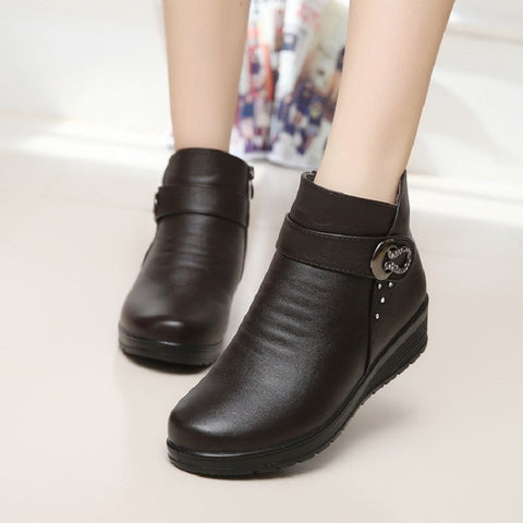 2016 autumn and winter fashion snow boots elderly mother warm boots female boots with thick shoes flat comfortable old shoes