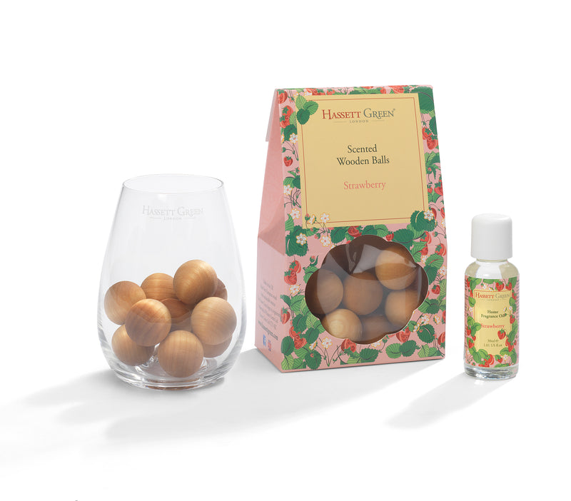 Strawberry - Scented Wooden Balls With Oil & Vase