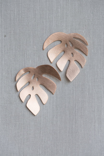 Monstera 1 Leaf Post Earrings