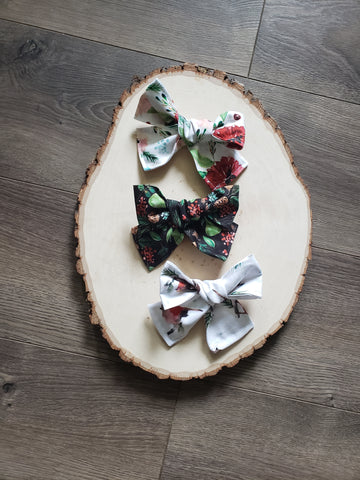 Poinsettia Hair Bow Set