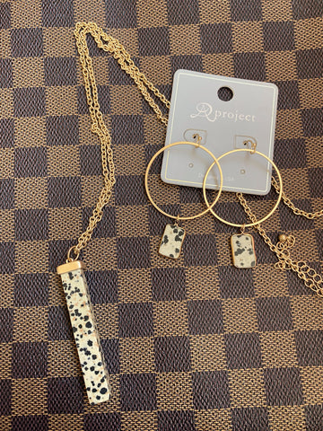 Speckled Necklace & Earrings Set
