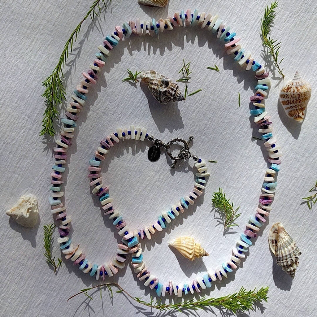 chic beach necklace arranged in heart formation