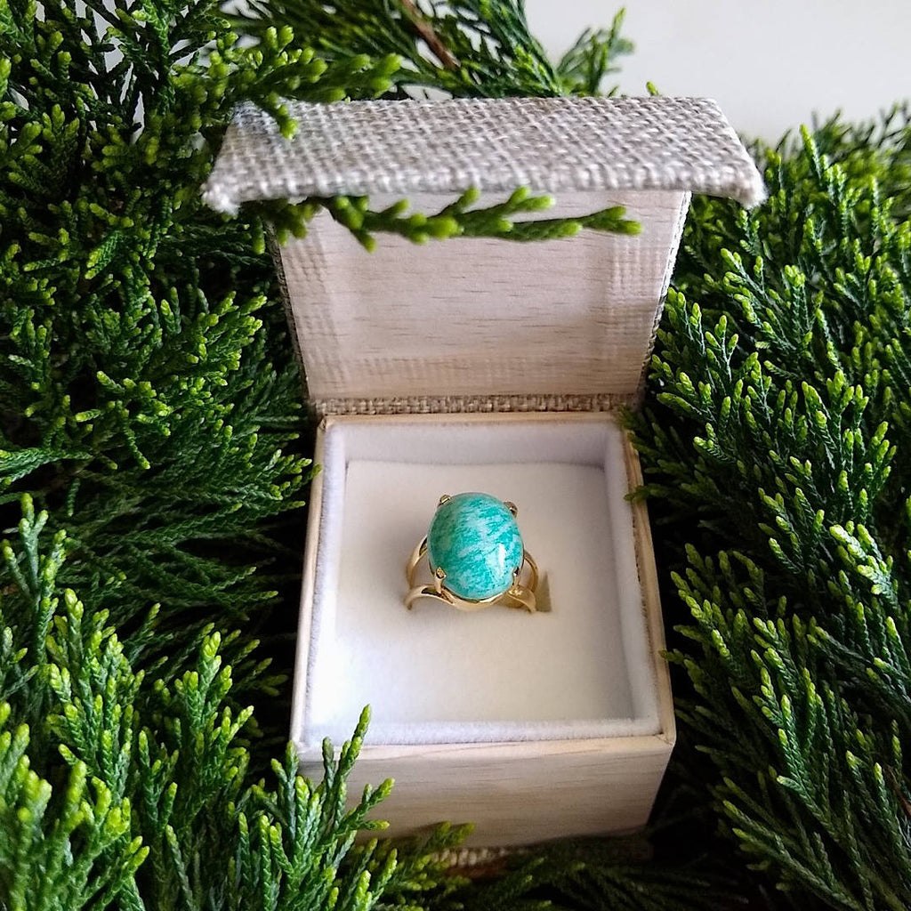 oval green amazonite ring in gift box