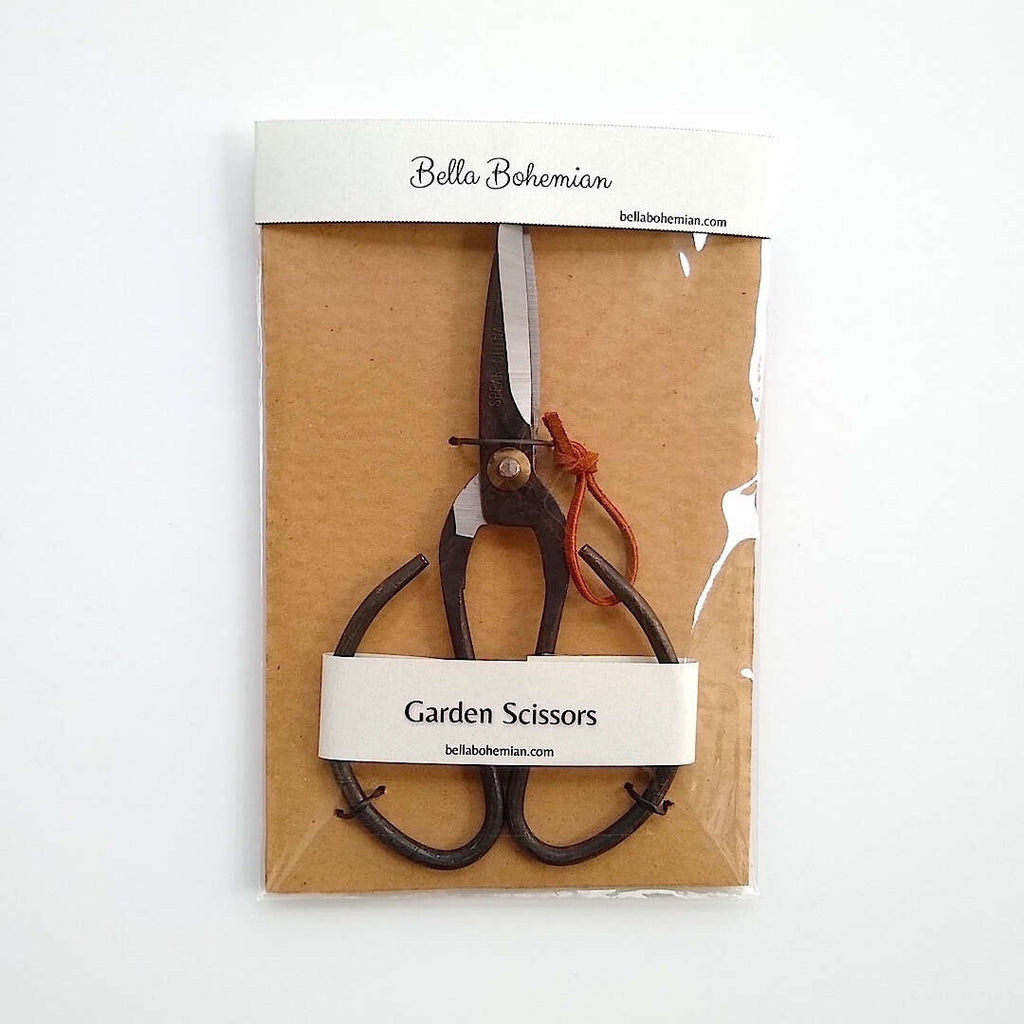 vintage style farmhouse scissors shown packaged