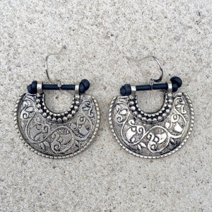 Kuchi Half Oval Carved Earrings, Earrings - KITTY KAT,
