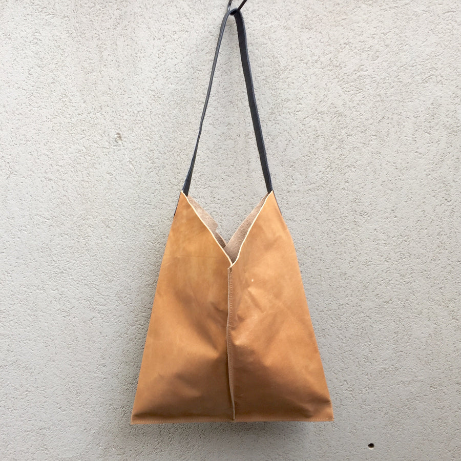 Lilly Vintage Tan Leather Shoulder Bag - KITTY KAT