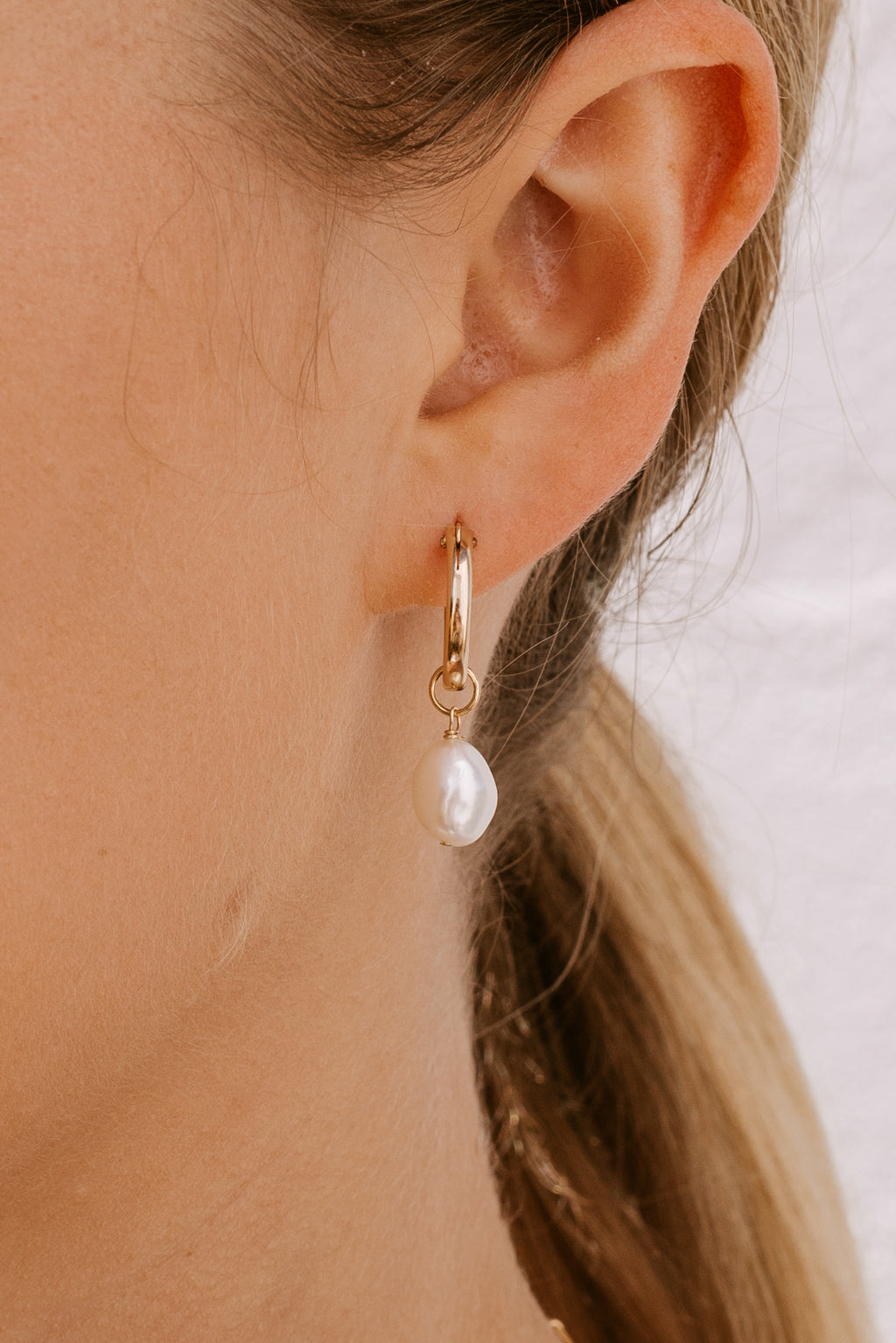 Pearl Click Hoops - Gold fill