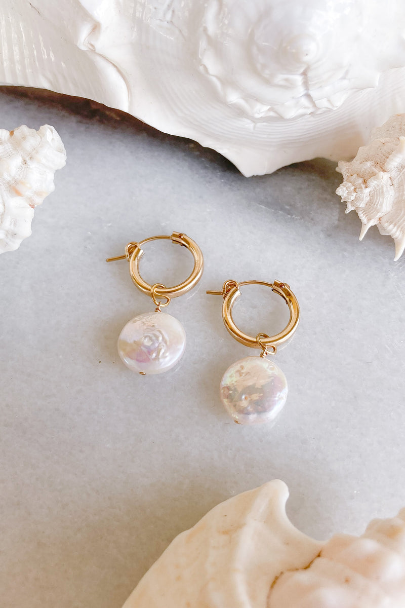 round pearls gold earrings