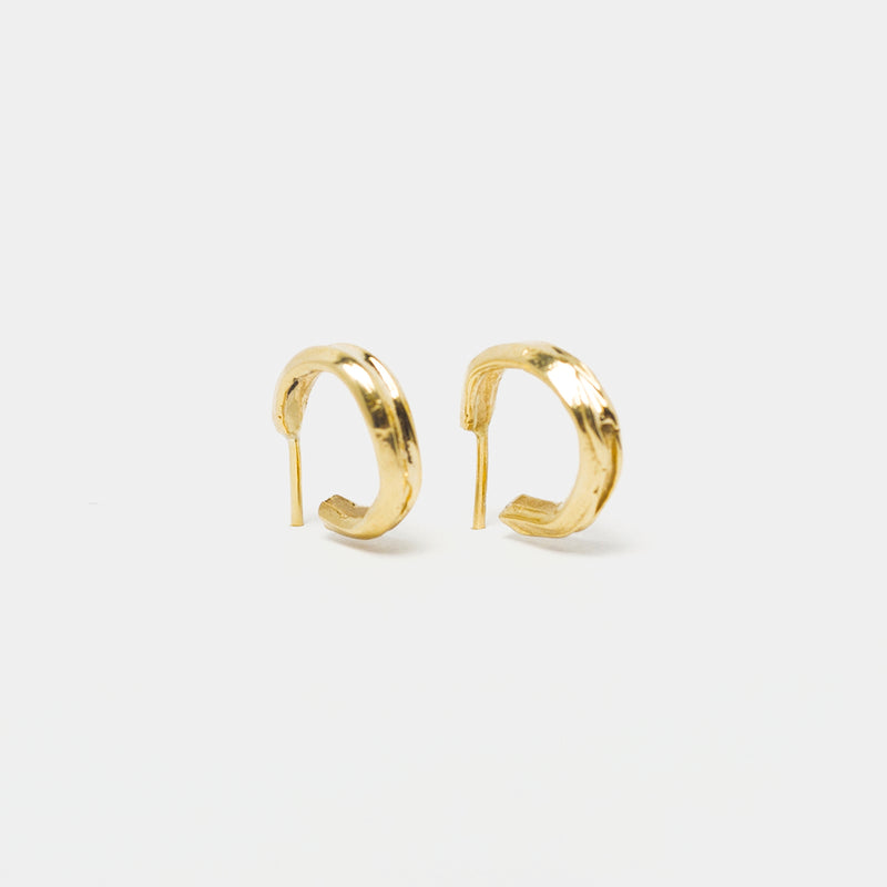 Edith Hoops in Gold