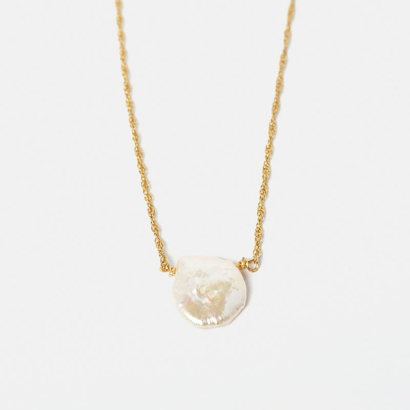 Mother of Pearl in Gold