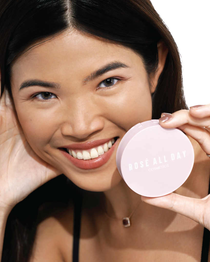 The Realest Lightweight Compact Powder in Medium