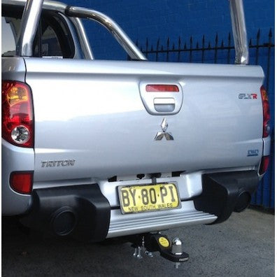 Hayman Reese Heavy Duty Tow Bar To Mitsubishi Triton With Step - 10/2009 ON