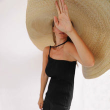 Load image into Gallery viewer, Oversized Straw Beach Sun Hat Beach Anti-UV