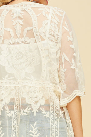 Samantha: Cream Lace Short Sleeve Cardigan by Entro