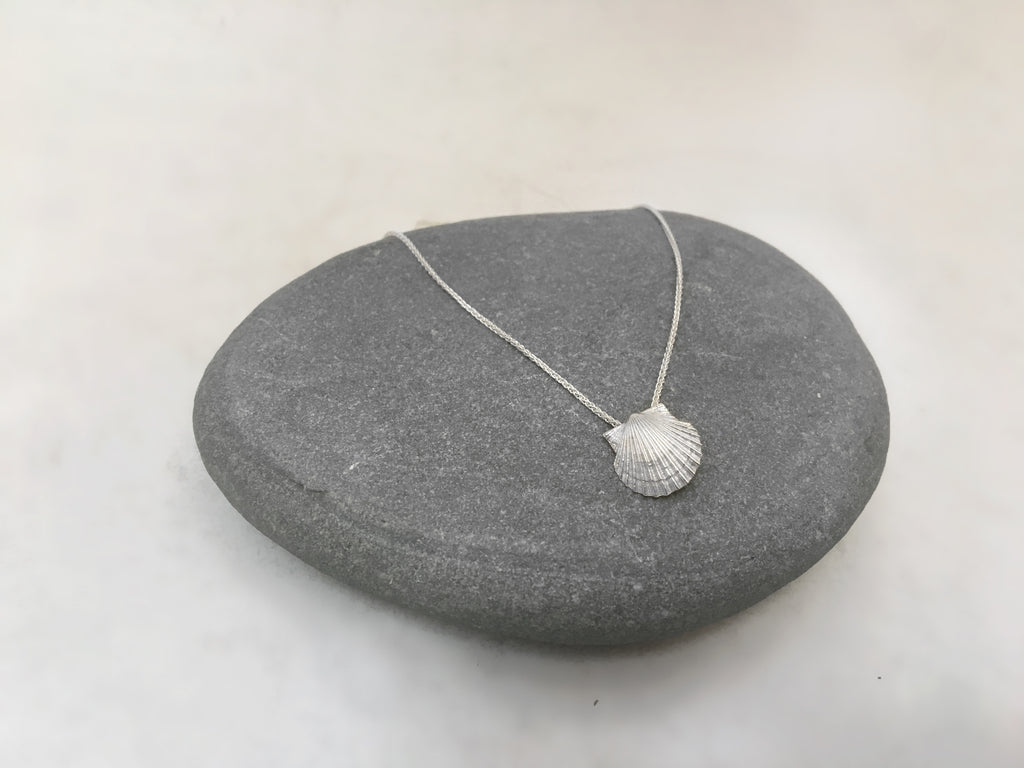 Tiny Scallop Necklace