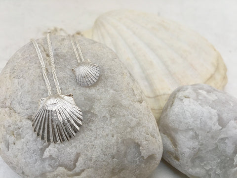 Scallop Slide Necklace