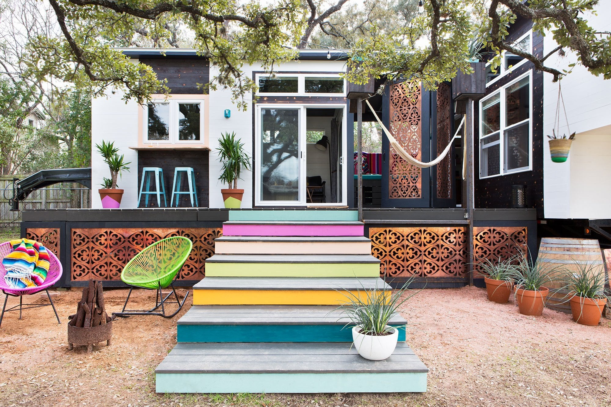 400-sqft Colorful 2-Trailer
