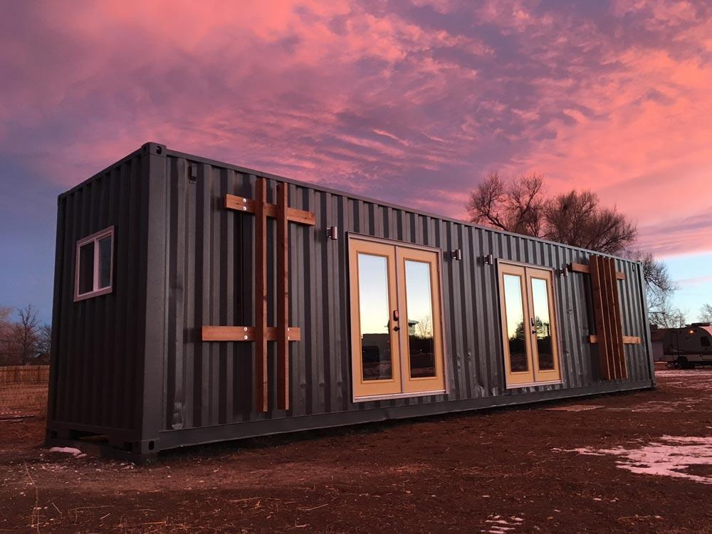"Modern 40' ""Intellectual"" Shipping Container Home by Rootspace"