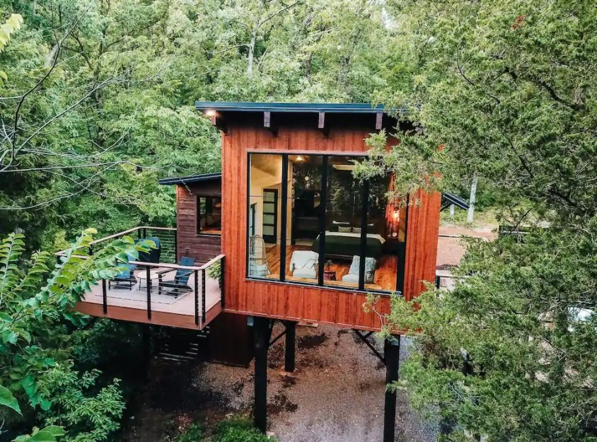 12 Tiny Houses in Missouri You Can Rent on Airbnb in 2021!