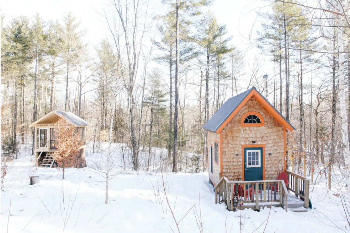12 Tiny Houses in Maine You Can Rent on Airbnb in 2021!
