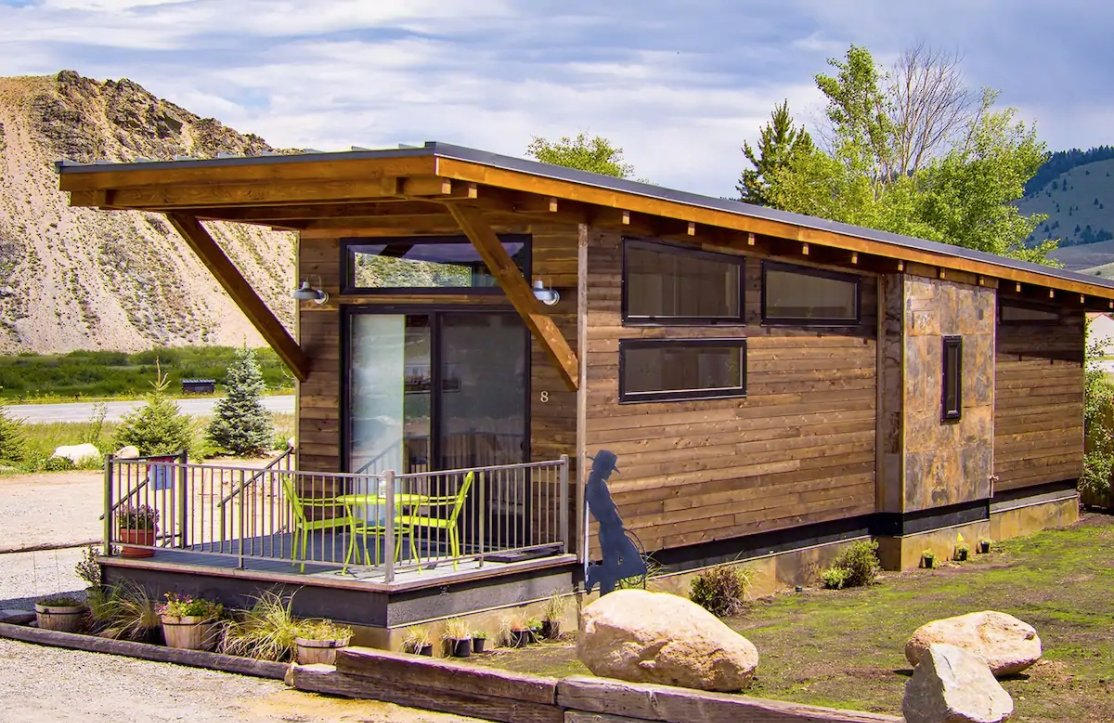 15 Tiny Houses in Idaho You Can Rent on Airbnb in 2021!