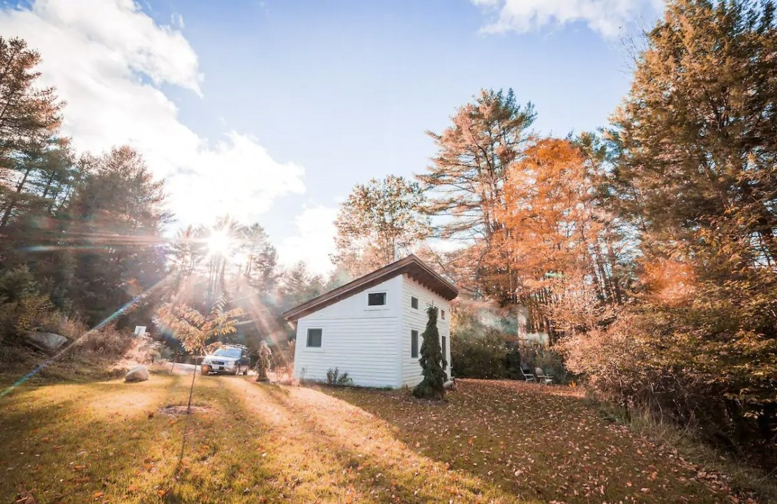 19 Tiny Houses in Vermont You Can Rent on Airbnb in 2021!