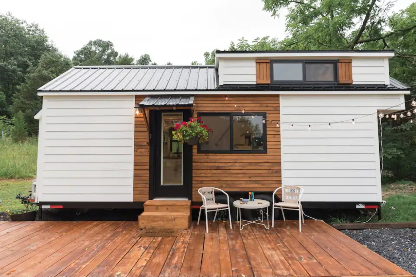 20 Tiny Houses in Pennsylvania You Can Rent on Airbnb in 2021!