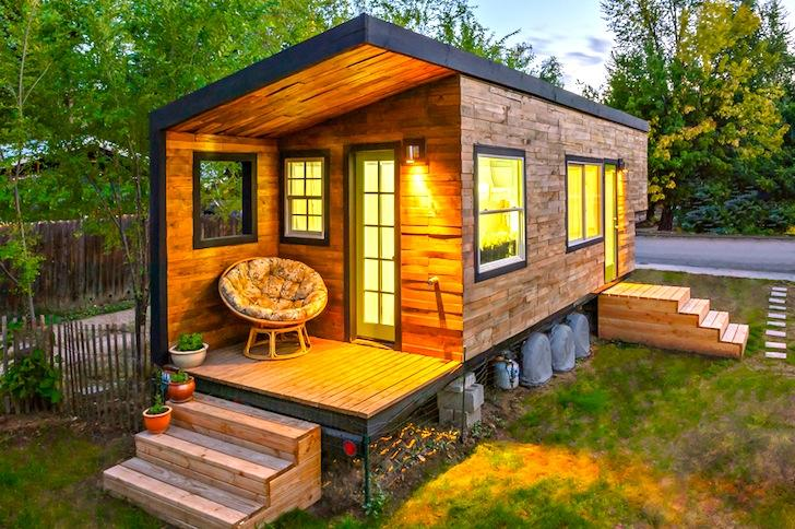232-sqft Tiny House Built for Only $11,000 was Home to a Family of Four!