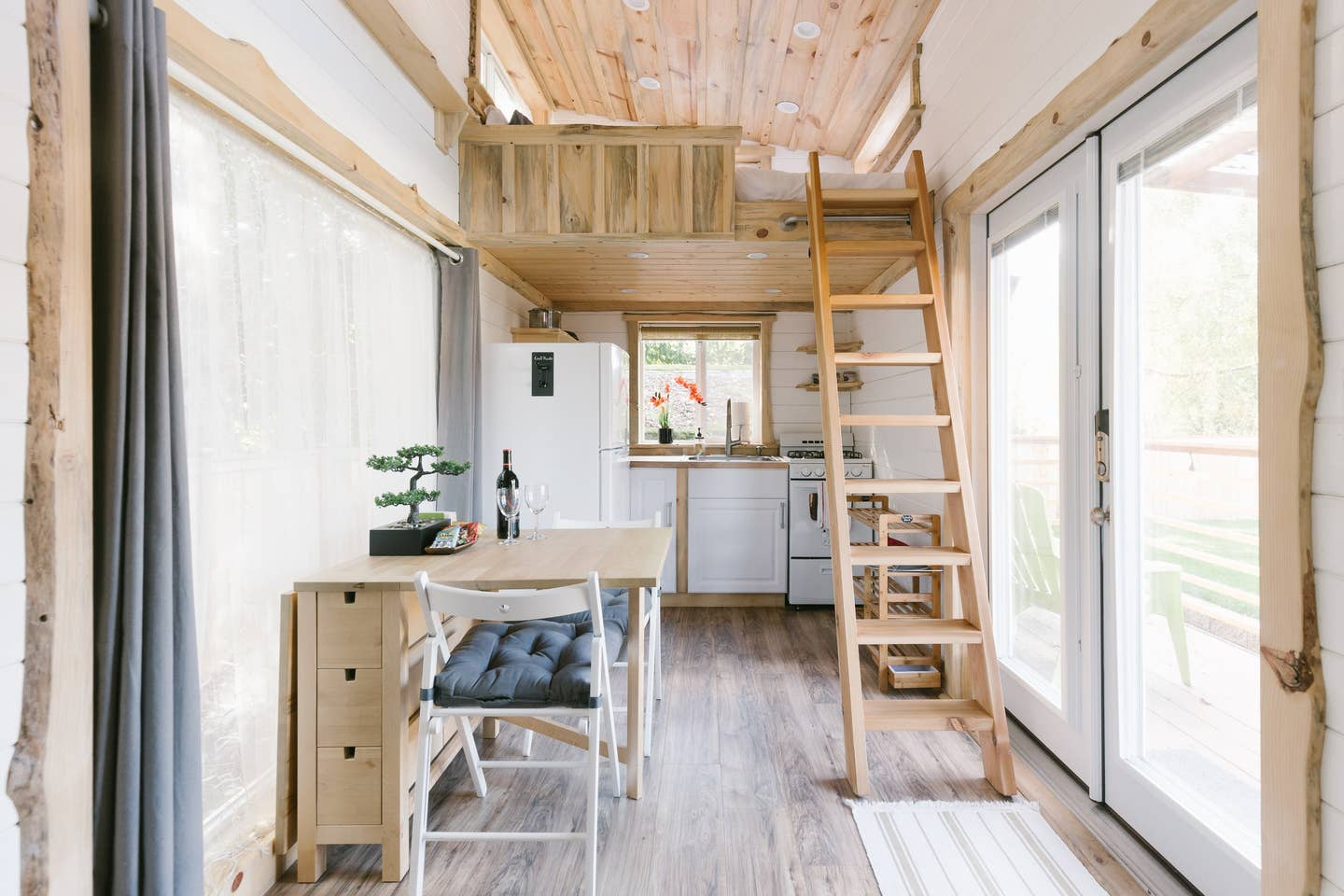 20 Tiny Houses in Washington You Can Rent on Airbnb in 2021!