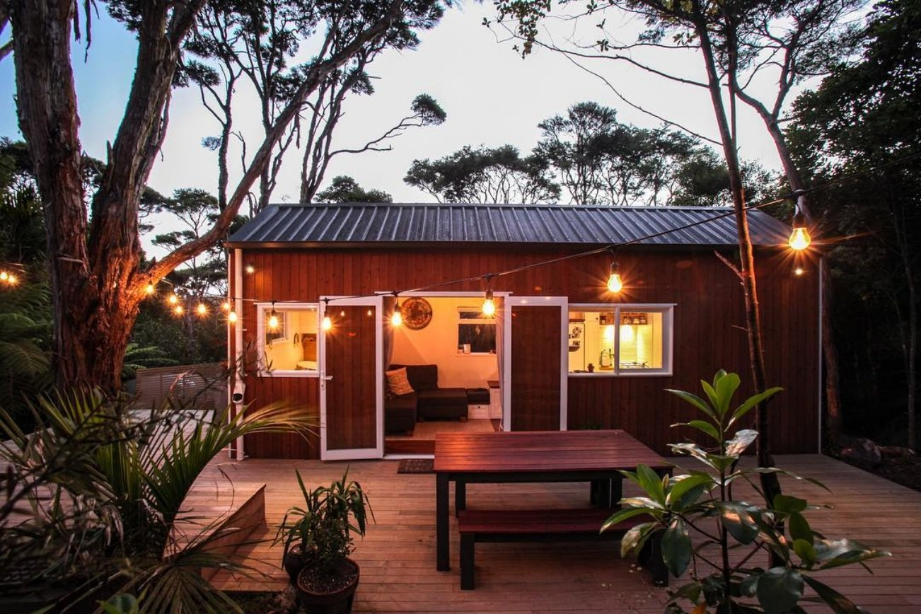 How do you have guests over at your tiny house? - #AskTheDreamTeam