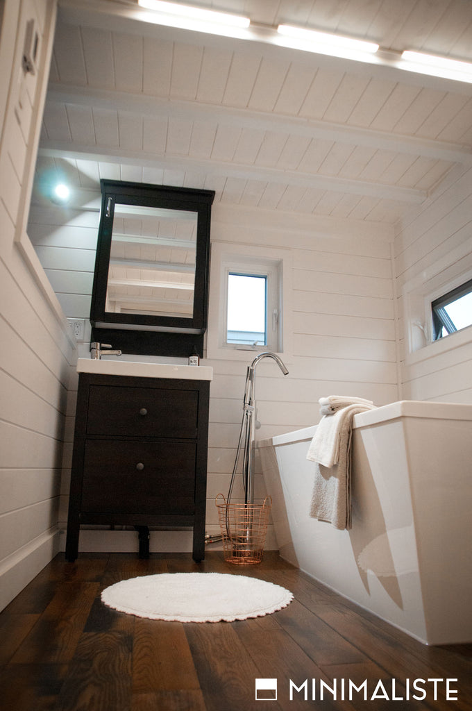 Chêne Tiny Home on Wheels by Minimaliste Tiny Houses