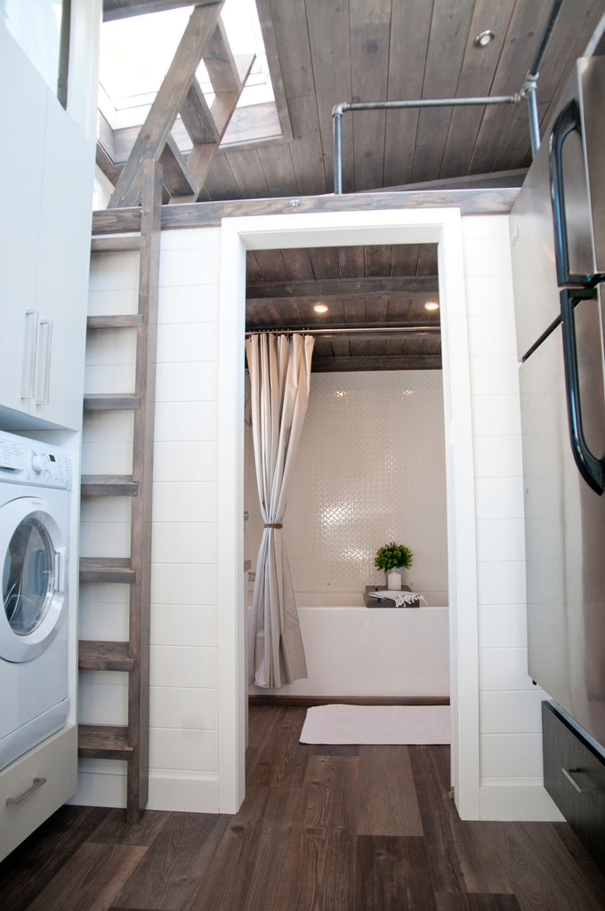 Sakura by Minimaliste Tiny Houses - Bathroom