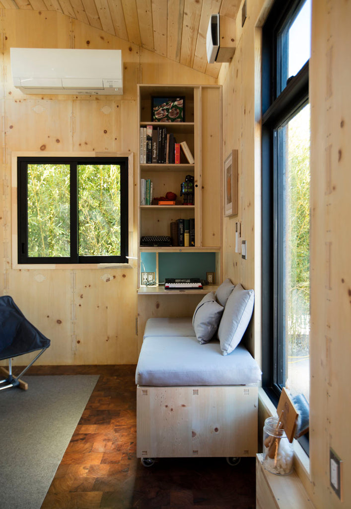 "The 24' x 10' ""SaltBox"" Tiny House by Extraordinary Structures"