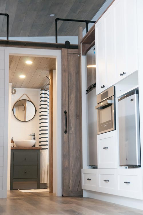 "Luxurious 34' ""Ébène"" Tiny House by Minimaliste Tiny Houses"
