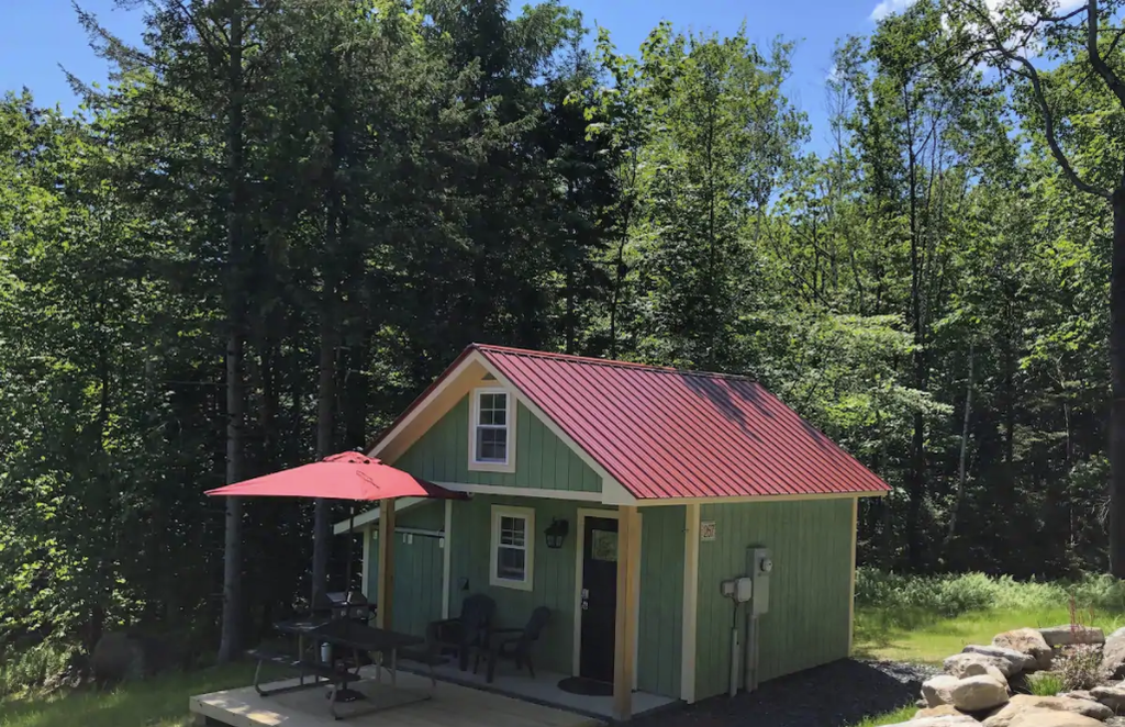 19 Tiny Houses in Vermont You Can Rent on Airbnb in 2020!