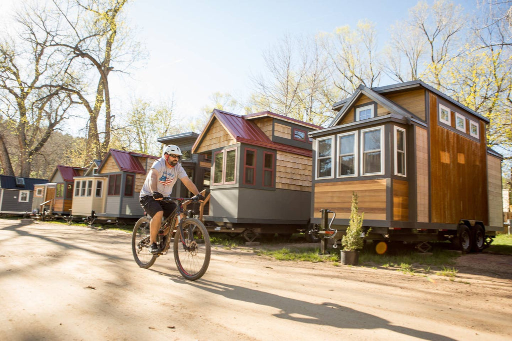 20 Tiny Houses in Colorado You Can Rent on Airbnb TODAY!