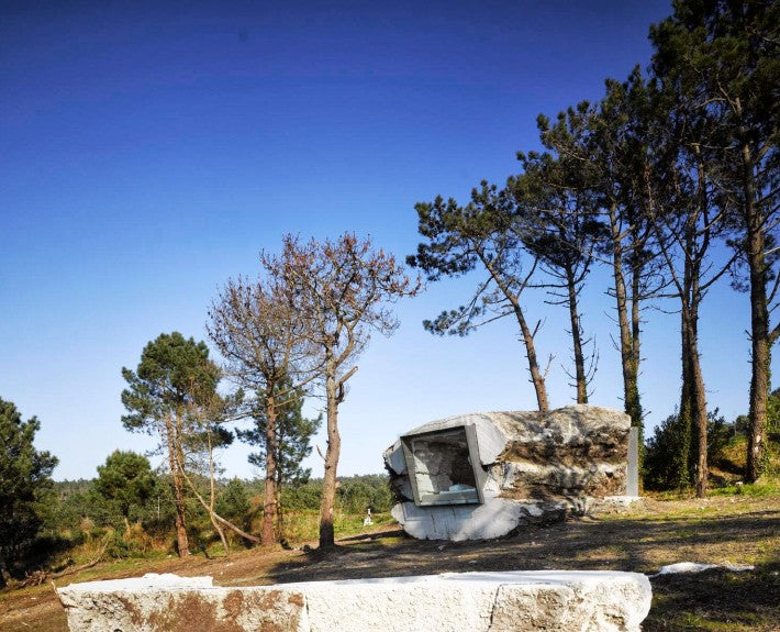 "The ""Truffle""—A Tiny House on the Coastline of Spain Built Using Concrete, Hay, & a Cow"