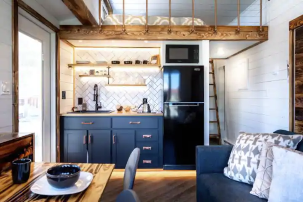 12 Tiny Houses in Wisconsin You Can Rent on Airbnb in 2020!