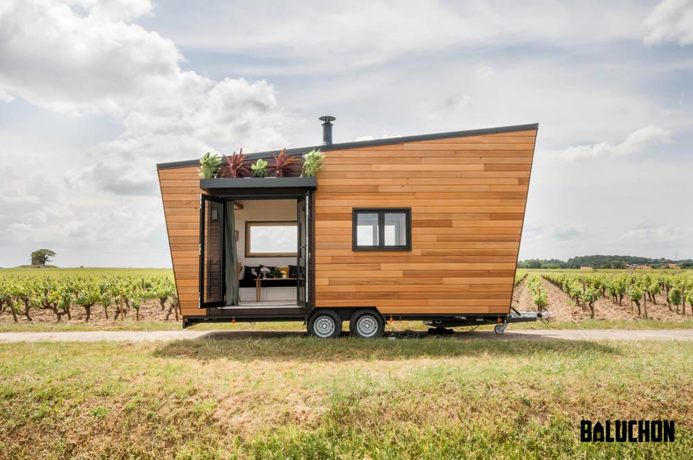 "23' ""Intrépide"" Tiny House on Wheels by Tiny House Baluchon"
