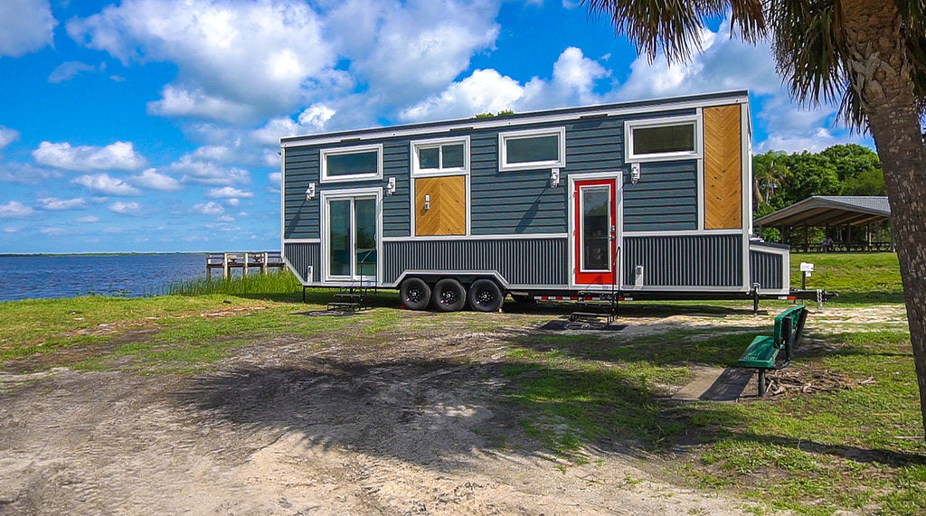 "330-sqft ""Lee"" Tiny House on Wheels by Movable Roots"