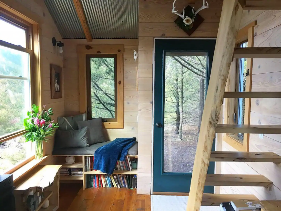 7 Tiny Houses in Kansas You Can Rent on Airbnb in 2020!
