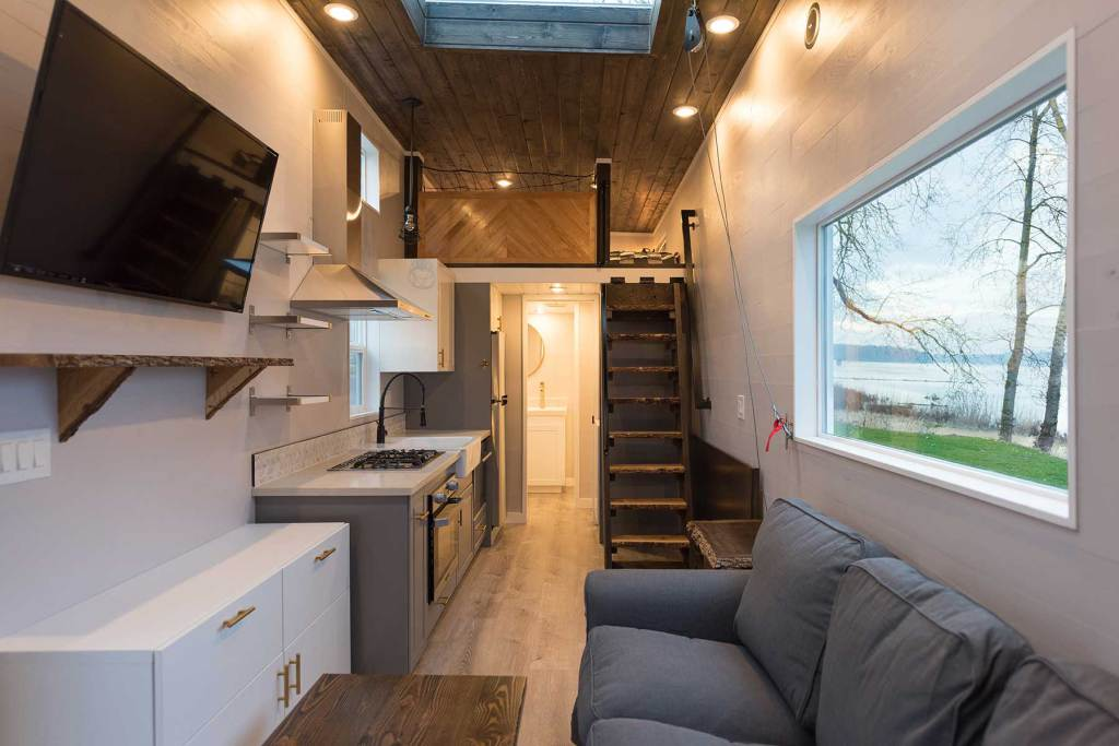 The Quot Cayman Quot A Huge 45 Gooseneck Tiny House By Tiny